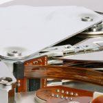 fstab: Opciones de montaje de dispositivos